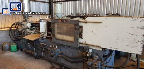 Máquina de moldeo por inyección HWA CHIN