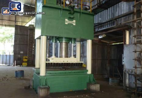 prensa de 500 ton marca Himeca.